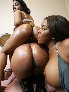 Ebony Lesbians Photos