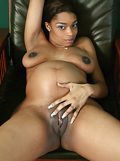 Ebony Preggo Photos